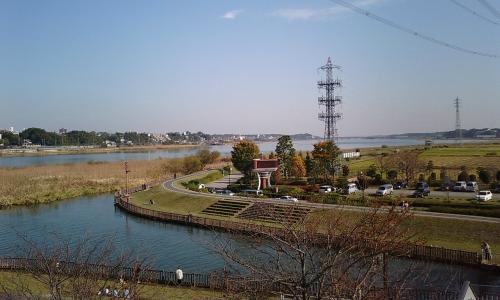 北千葉導水ビジターセンター展望室より手賀大橋を望む