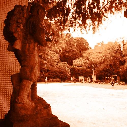 平塚分校の二宮尊徳像