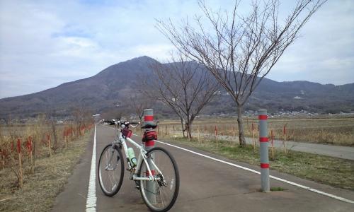 筑波二峰(男体山・女体山)りんりんロード筑波駅付近