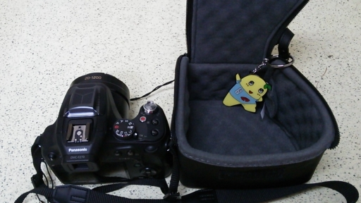 FZ70とカメラケース.jpg