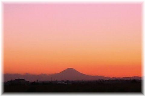 江戸川CR玉葉橋付近からの富士山と夕焼け