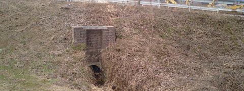 利根運河の樋管01