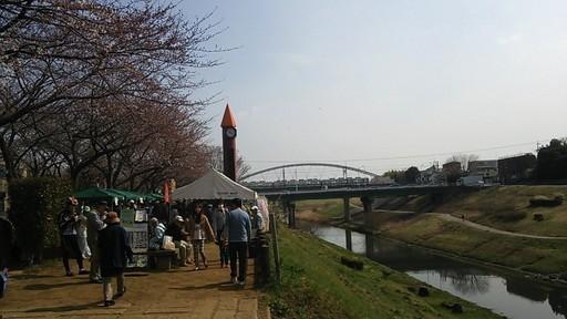 02利根運河の朝市会場.jpg