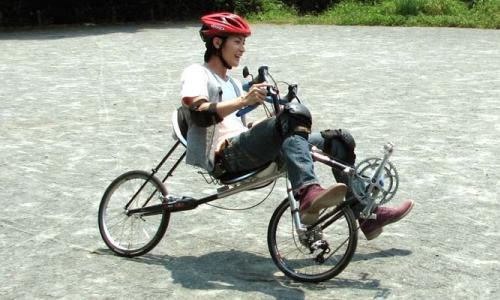 三浦春馬とユニーク自転車(クルーズバイク)