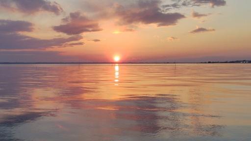 霞ヶ浦の畔に沈む夕陽.jpg