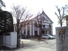 水海道一高正門と講堂